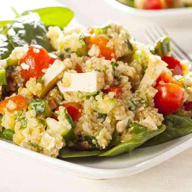 La quinoa es uno de los súper alimentos más recomendados. Pero ¿cómo se prepara la quinoa? Es muy fácil si sigues estos pequeños consejos.