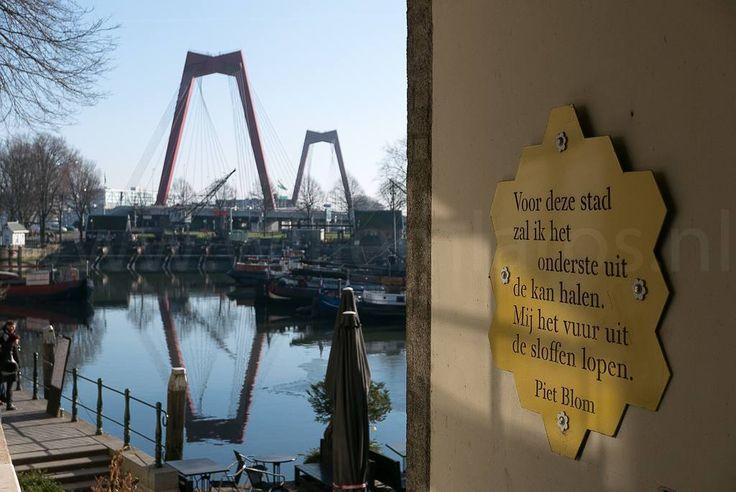 Piet Blom de architect van de paal- of kubuswoningen in Rotterdam. #fb #photography #travelphotography #traveller #canon #canonnederland #canon_photos #fotoreis #travelblog #reizen #reisjournalist #travelwriter #willemlaros.nl #reisfotografie #landschapsfotografie #follow #instalaros #rotterdam #straatfotografie