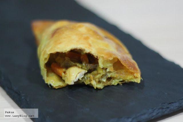 Lazy Blog: Empanadillas thai de pollo al curry, receta. Chicken (or tofu!) thai empanada recipe.