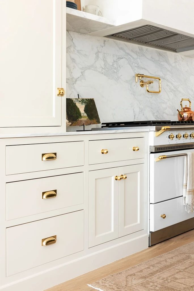 Studio McGee Kitchen Cabinetry in 2020 | Cabinet hardware ...