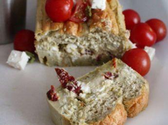 Cake magique à la feta et au pesto, facile et pas cher : recette sur Cuisine Actuelle