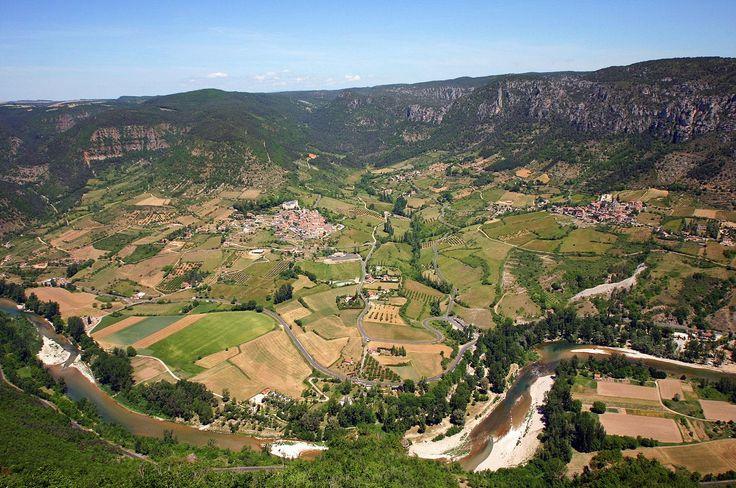 Vue panoramique de Mostuejouls, Liaucous, Comayras sur la vallée des Gorges du Tarn - Le Soleilo, chambres d'hôte, gîte & spa 4 épis www.lesoleilo.com