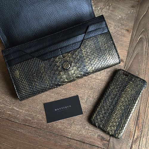 #METTIQUE #handstitch #leatheronly  Introducing #METTIQUE #ARDHA clutch in #waterresistant #handpainted #metallic #GoldCharcoal python skin with Armstrong Italian cowhide lining, #handstitched with bees waxed thread.   This limited python color is available for customization now at #METTIQUE.   WWW.METTIQUE.COM (at Gaysorn Shopping Centre)