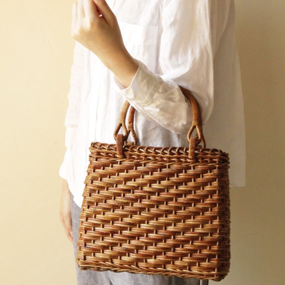 trapezoid basket bag - ACCESSORIES - Envelope is a unique online shopping mall made up of a few independent shops from all around Japan.