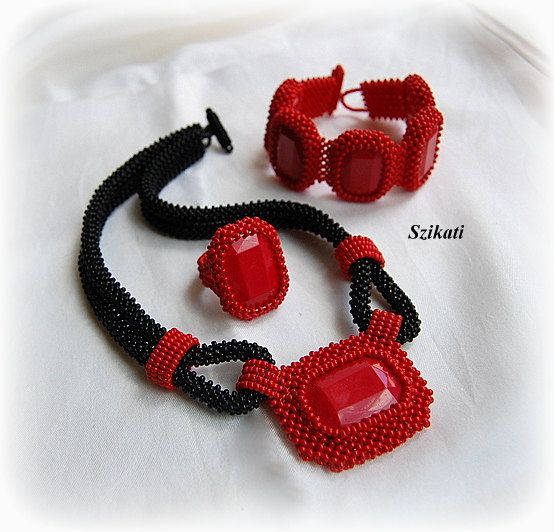 Beautiful right angle weave cabochon necklace, bracelet and ring