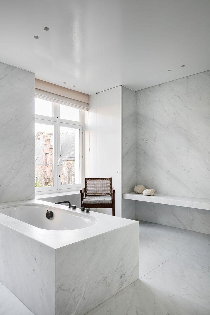 A Merry Mishap: The minimal designs of Nicolas Schuybroek