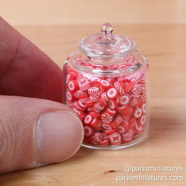 Miniature Christmas candy jar with over 600 candies www.parisminiatures.etsy.com