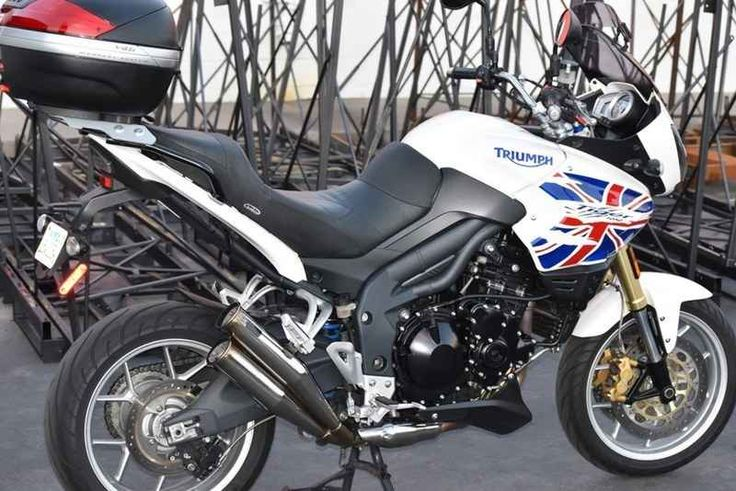 Used 2007 Triumph TIGER 1050 Motorcycles For Sale in California,CA. Up for sale is this extremely clean and low miles Tiger 1050. Previously owned by a local customer and as you can see from the pictures has been lightly used. This bike comes with many extras including the original seat and exhaust in case you don't like the current set up. This is the bike to buy if you plan to do some touring or just ride the local canyons. Previous owner who is a 'brit' had the tank painted by a local…
