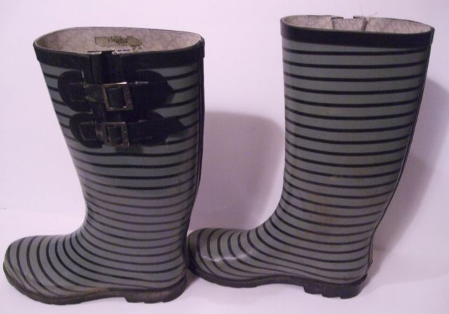 Are you ready for awesome  gray and black striped rain boots from Chooka?  #boots