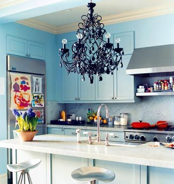 black chandelier// you just stop.: Blue Cabinets, Black Chandeliers, Tiffany Blue, Blue Kitchens, Glasses Chand, Robins Eggs Blue, Kitchens Cabinets, Black Glasses, Domino'S Magazines