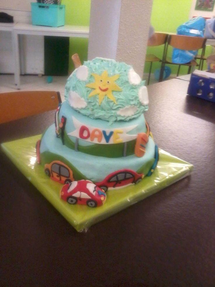 Auto taart met mep taartje erop