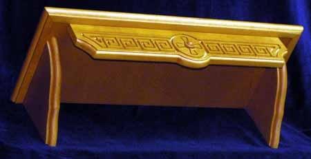 """Полка для икон деревянная (Г) прямая, 1-ярусная, с резным узором - """"Греческий узор"""", 18106."""