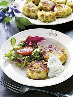 Potatisbullar med broccoli, fetaost och tsatsiki