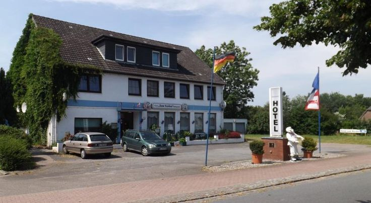 Hotel zum Norden Jagel This family-friendly hotel is located in Jagel, 9 km from Schleswig and a 5-minute drive from the A7 motorway. It offers comfortably furnished rooms, free WiFi throughout the property and free parking.