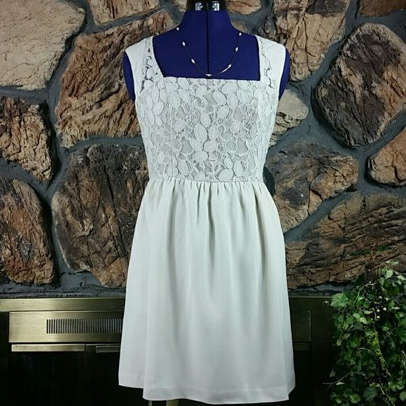SALE  HPEssential Style  Cream lace dress This ultra cute dress has lace on the bodice and back. Dresses