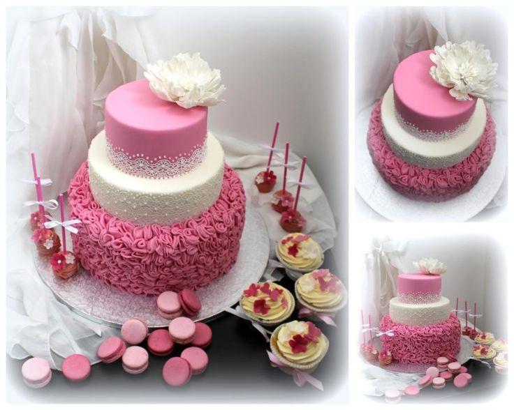 Wedding cake by Lucie - http://cakesdecor.com/cakes/284276-wedding-cake