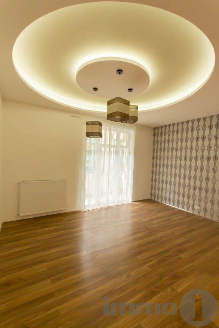 Rózsadomb szoknyáján, csendes egyirányú utcában kínálunk eladásra egy modern, elegáns 21. századi műszaki tartalommal felszerelt lakást.  A kitűnő alaprajzzal rendelkező lakás akár egy nagy család kényelmét is kiszolgálja. Amerikai konyhás nappalija 45 nm-es, 3 hálószobás, mindegyik hálóhoz saját fürdő tartozik, valamint vendég mellék helység . Az utcai nézetű nappali 10 nm-es erkélyre, a két csendes udvari nézetű háló, csendes teraszra nyílik.  A lakásban mindenütt új nyílászáró, alumínium…