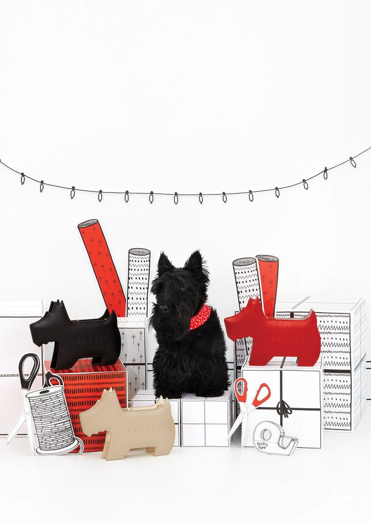 Oh what fun! Love our Scottie dog shaped, Radley bag as much as we do? It's the perfect present to pop under the tree this festive season <3