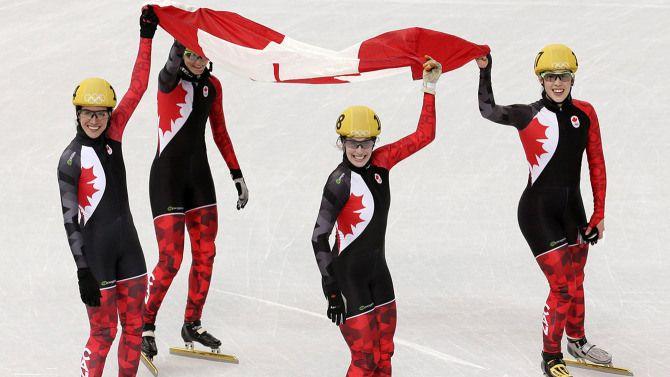Le quatuor composé de Marie-Ève Drolet, Jessica Hewitt, Valérie Maltais et Marianne St-Gelais a procuré au Canada une deuxième place au relais 3 000 mètres féminin en patinage de vitesse sur courte piste. Sotchi 2014