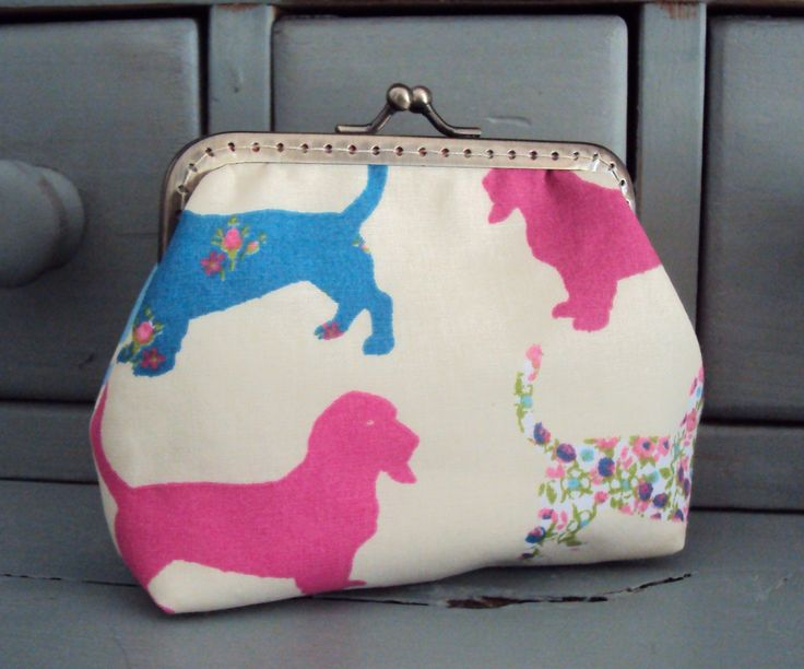 Dog purse, hound dog purse, dog lovers gift by Tresgats on Etsy