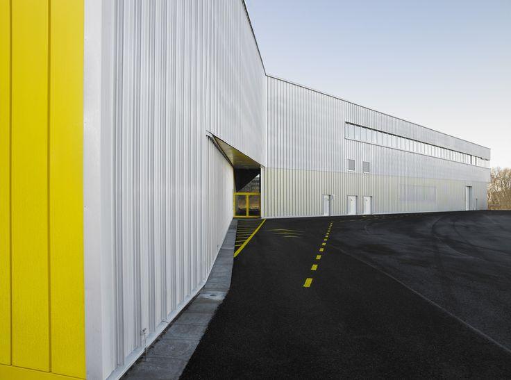 Gallery of North Laser Center / blauraum - 3