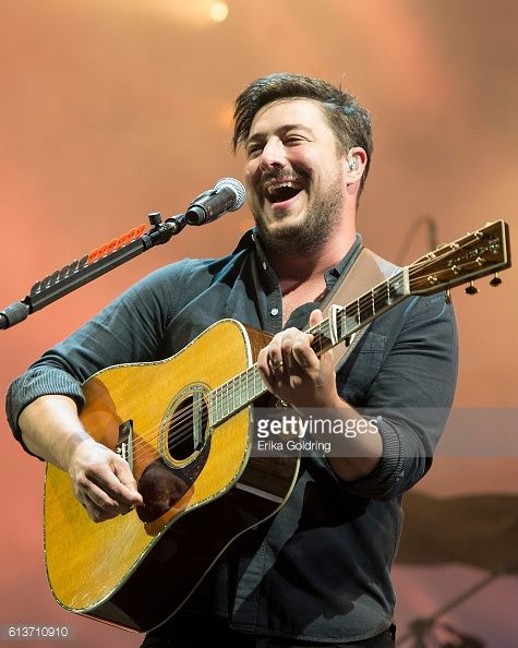 News Photo : Marcus Mumford of Mumford and Sons performs...4