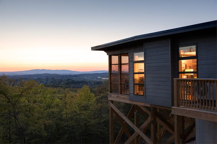 Iris cabin 23 xl new tree houses for grown ups at iris inn for Charlottesville cabin rentals hot tub