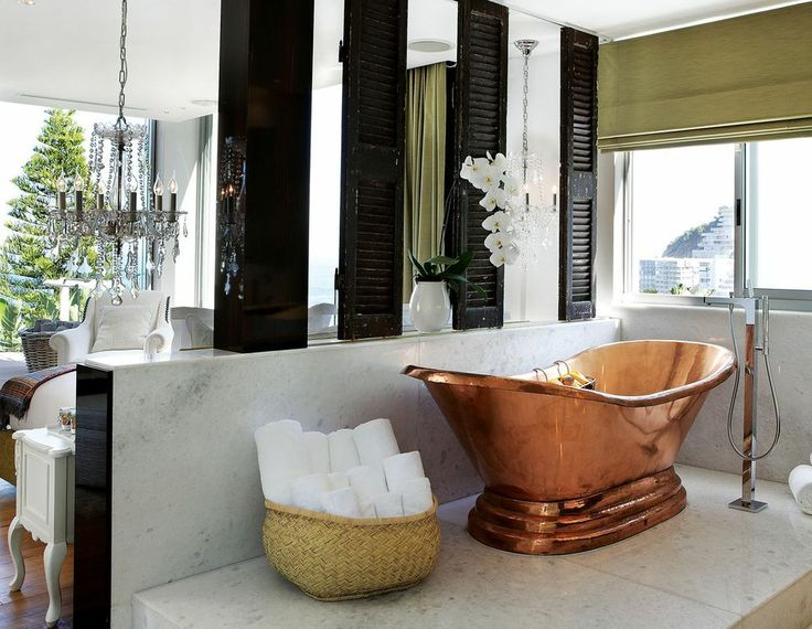 Luxurious bath in the master bedroom.