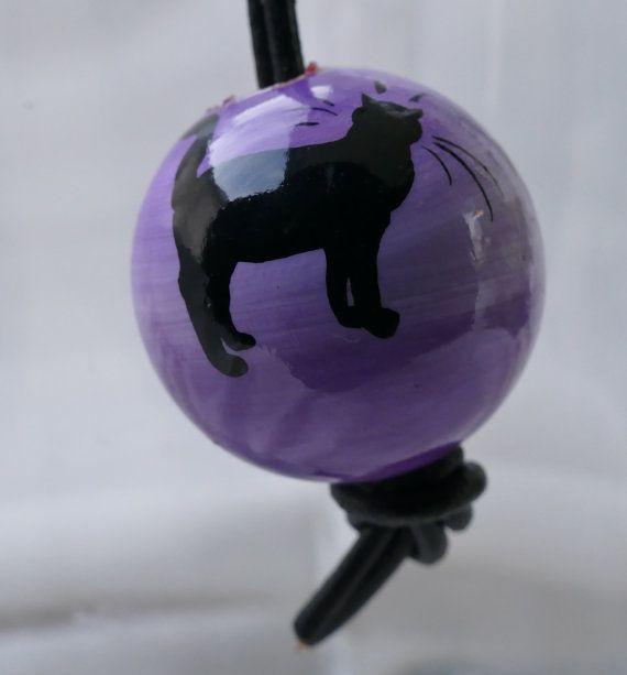 Miniature painting on keychain. purple bottom and by IlseHviid