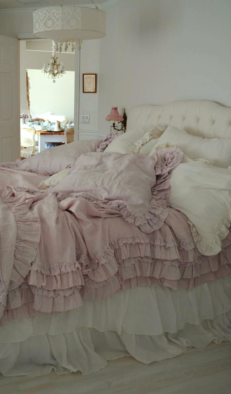 Bedroom. White, Pink, Black, Chippy, Shabby Chic ...