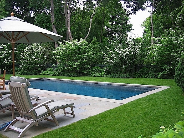 7 best images about tuin ideeen on pinterest gardens water tube and copper - Outdoor decoratie zwembad ...