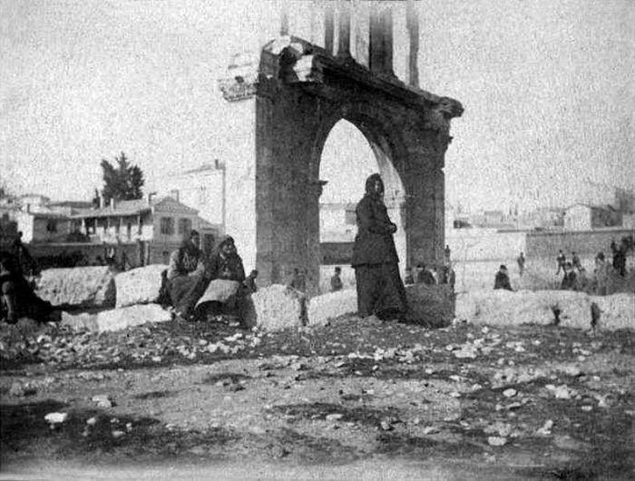 Αθήνα, η Πύλη του Αδριανού, 1893, κληροδότημα Οδυσσέα Φωκά, αρχείο Εθνικής Πινακοθήκης- Μουσείου Α. Σούτζου.