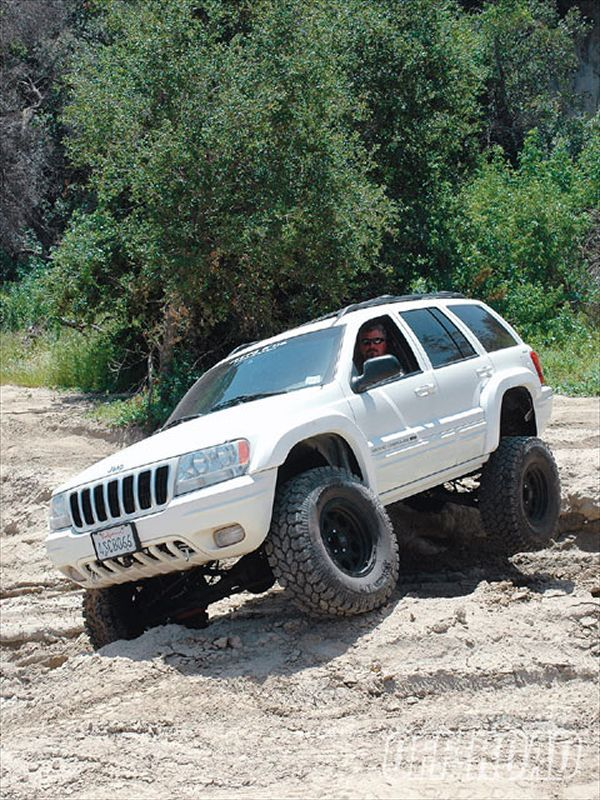 0910or_01_z+2001_jeep_grand_cherokee+front_view.jpg (600×800)