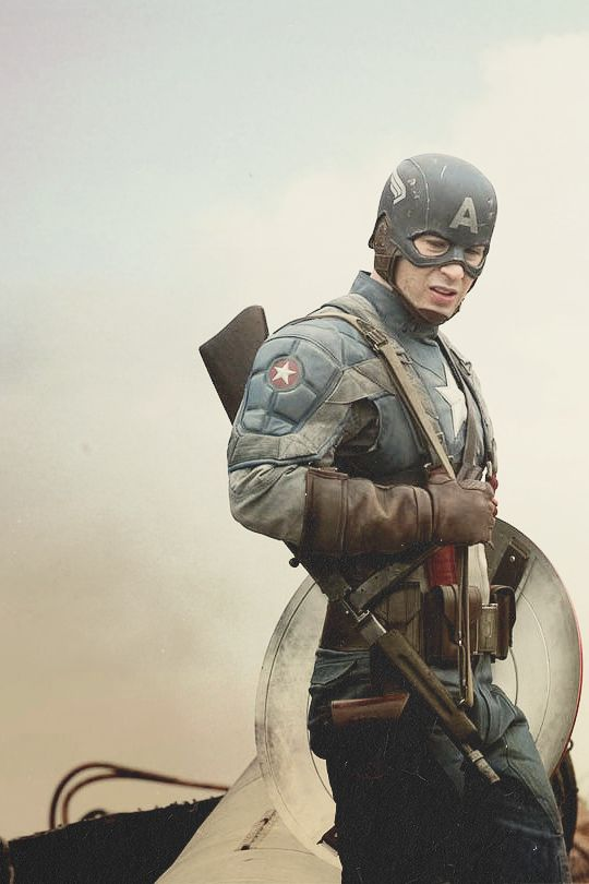 Character: Captain America / From: Marvel Comics / Actor: Chris Evans