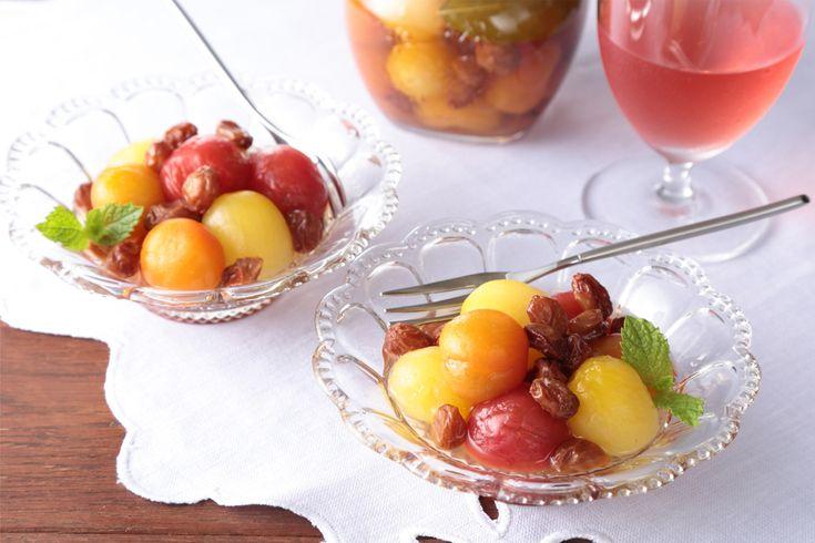プチトマトとレーズンのピクルス <びん詰め保存食> | 酸味と甘みがいいバランス♪箸休めにオススメのプチトマトのピクルス。 【1びん分】 カロリー:289Kcal 糖質:63.65g