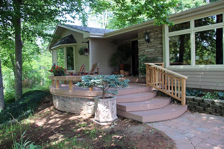 This front deck is made using Veka decking and has Flex-C-Ment stone skirting. It was built in 2013 in Flamborough by Hickory Dickory Decks.