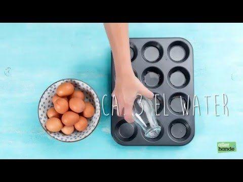 Een foodhack die je leven écht makkelijker maakt. Nooit meer gerommel met draaikolkjes in kokend water, een ei pocheer je voortaan gewoon in een muffinvorm.  Let op: vul elk vormpje met 3 el water. - How to... - Allerhande