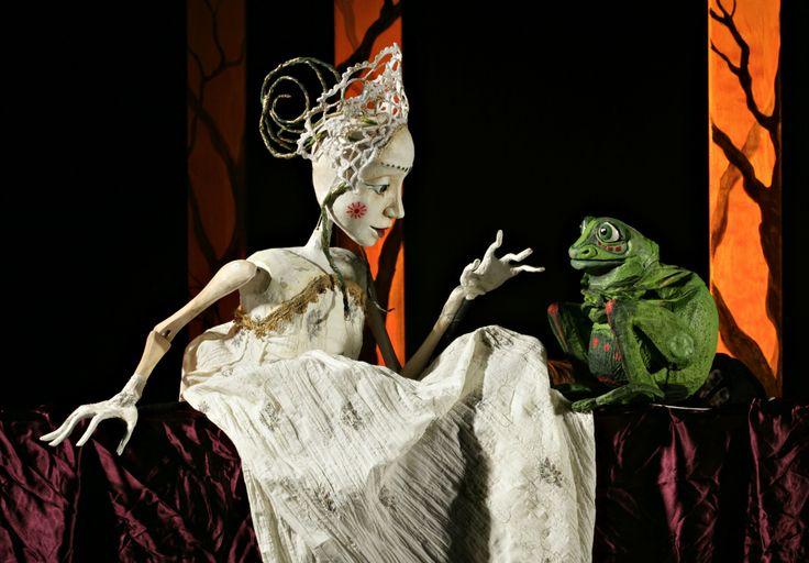 Sammakkoprinsessa, puppets by Iida Vanttaja www.puppetstuff.fi
