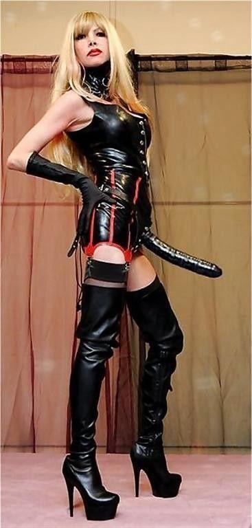 power girl strapon
