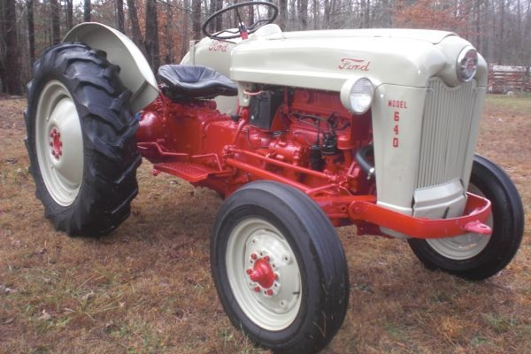 Ford 600 Tractor Farm : Ford tractor tractors pinterest