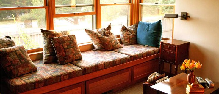It is so nice to read an interesting book. Do you already have the perfect spot for it? We have 27 ideas how you can design your window seat.