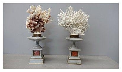 Vasi in marmo e corallo epoca 700 0469003