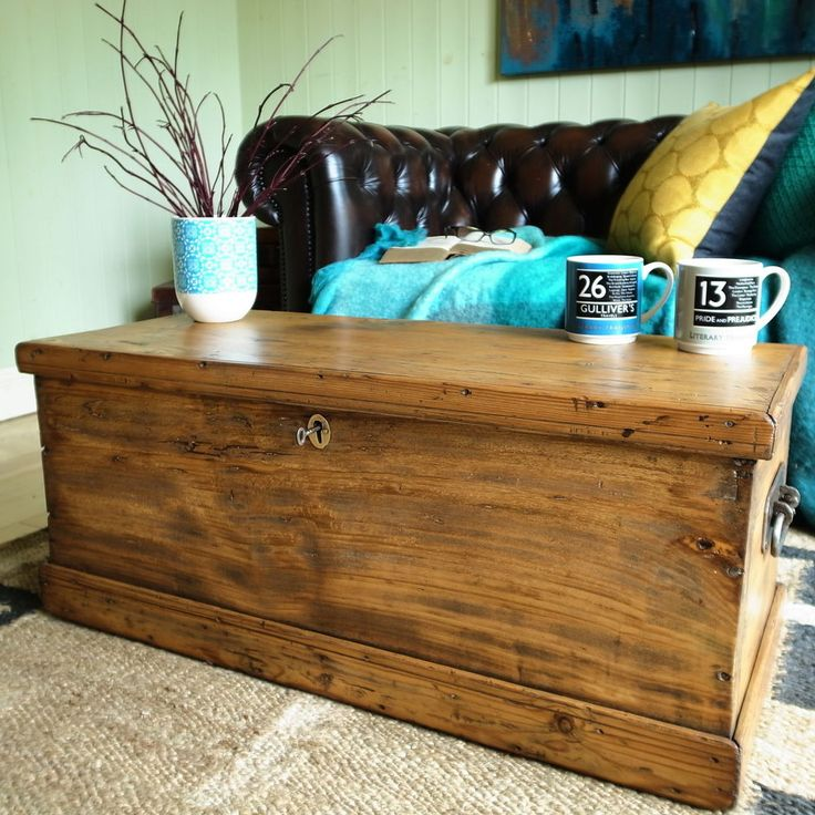 VINTAGE CHEST elm trunk VICTORIAN CARPENTERS TOOL CHEST blanket box COFFEE TABLE