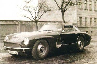 Tatra JK 2500.