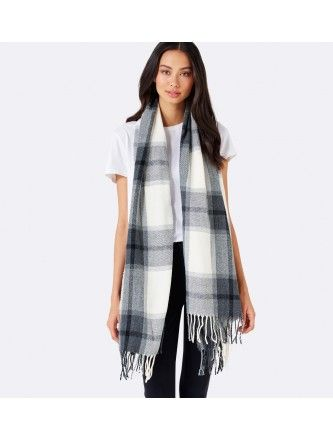 A simple draped scarf adds pattern and interest however, ensure a large scarf doesn't add volume to your shape by wearing a thin belt over the scarf to define the waist. Photo credit- forevernew.com.au