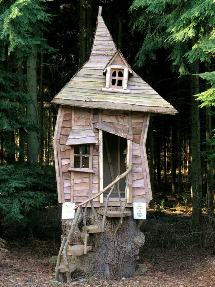 Dream Playhouse  photographed by Jason Brooks on flickr (j)
