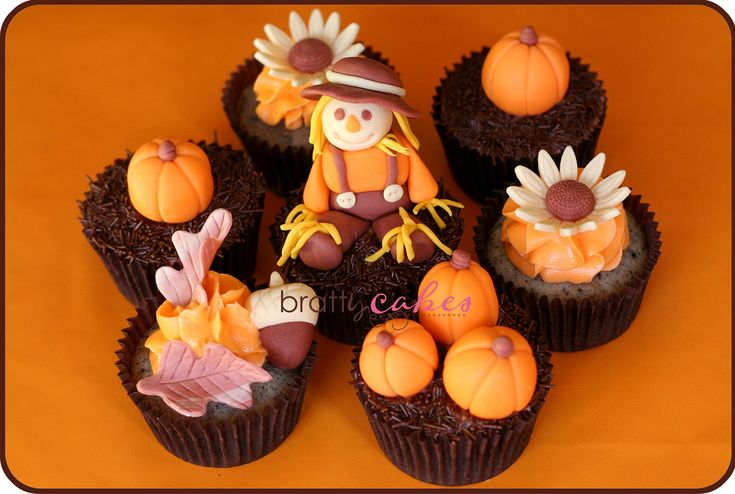 Fall harvest cupcakes decorating ideas thanksgiving for Decorations for thanksgiving cupcakes