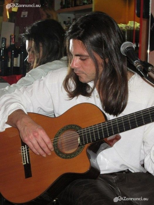 Impartisco lezioni di chitarra