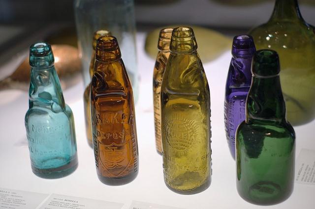 Botellas de agua mineral antiguas by ea5dfv, via Flickr