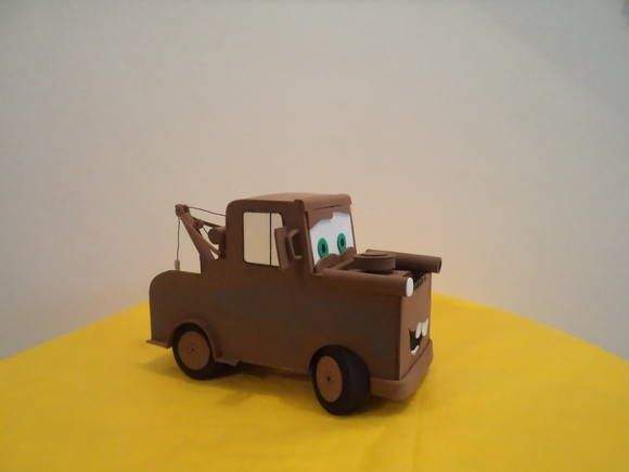 Mate, Personagem do filme carros, todo confeccionado em eva R$ 60,00